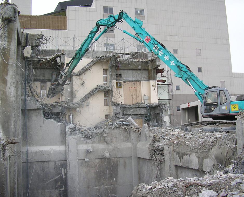 RC建造物解体の写真